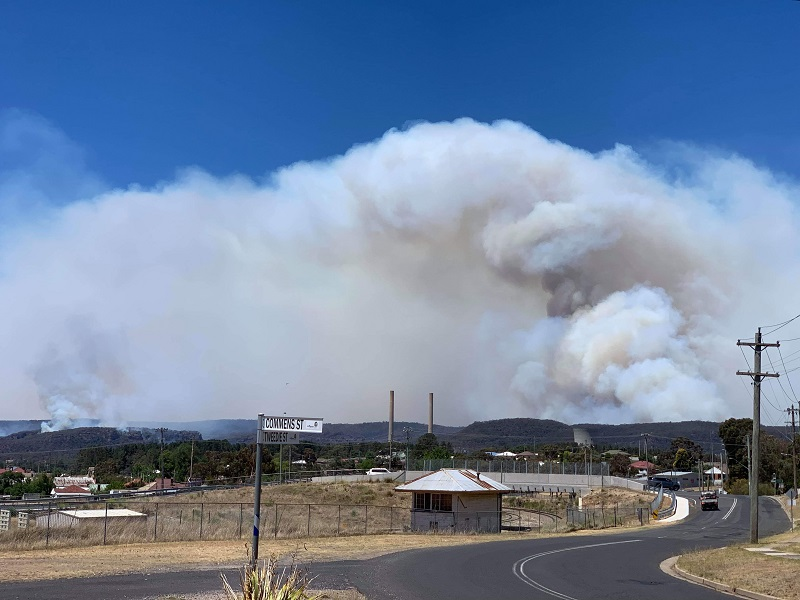 Fire to the North of Lithgow on Dec 16th, taken from Wallerawang