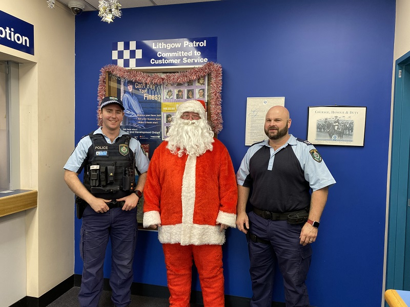 Santa went for a drive around Lithgow, visiting some of the hard working people in the area.